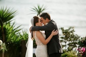 casa romantica san clemente wedding photographer artistic ceremony kiss
