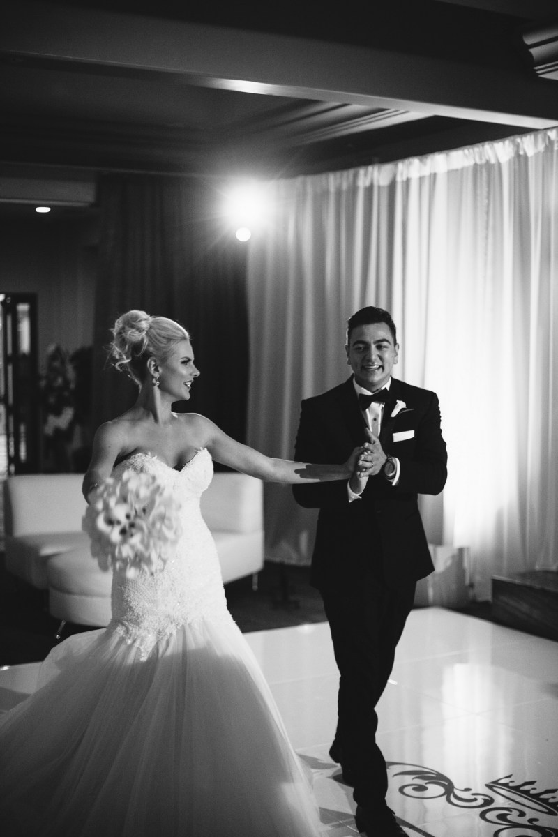 grand entrance wedding couple Monarch beach resort wedding photographer nicole caldwell