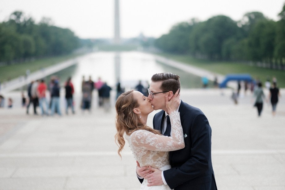 bride and groom lincoln memeorial reflection pool washington dc wedding and elopement by nicole caldwell