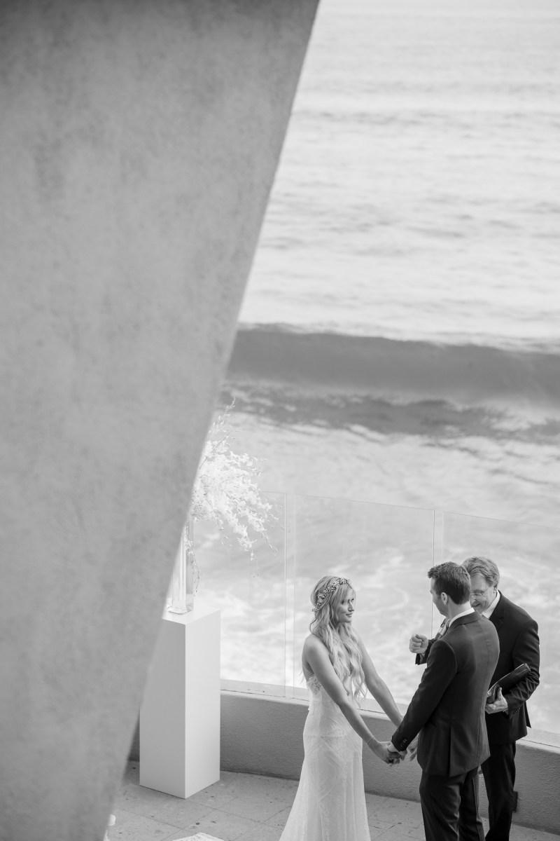 wedding ceremony ocean terrace wedding photos surf and sand resort laguna beach