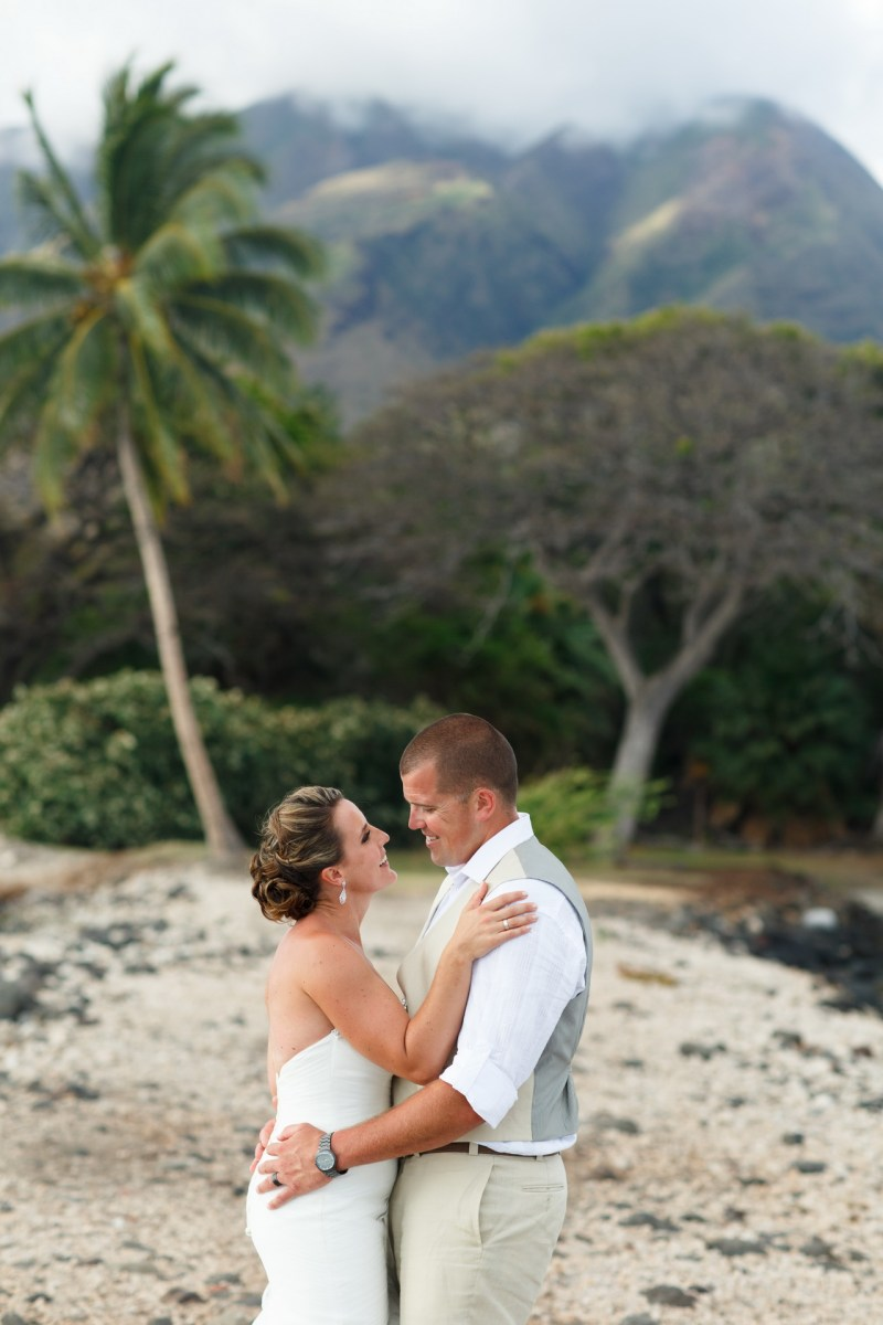 maui destination wedding venue plantation house by nicole caldwell105