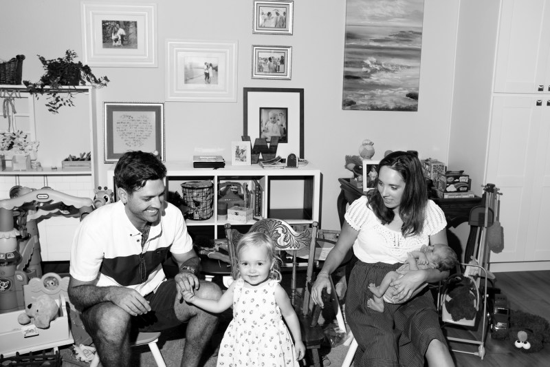 FAMILY PHOTOGRAPHY AT HOME BY NICOLE CALDWLEL STUDIO 02