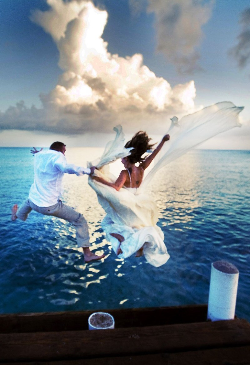 destination-wedding-grand-cayman-trash-the-dress-by-nicole-caldwell