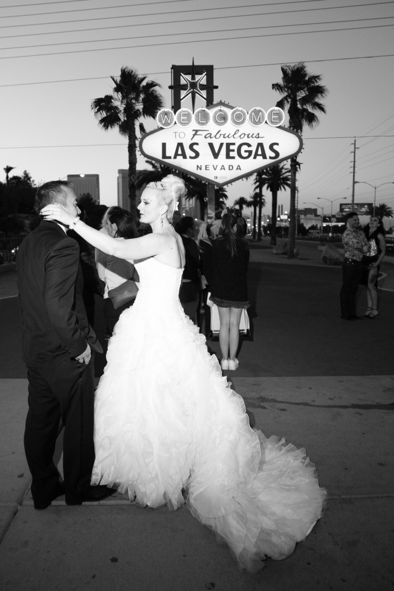 Las_vegas_wedding_trash_the_dress_10_year_anniversary_nicole_caldwell_photographer45