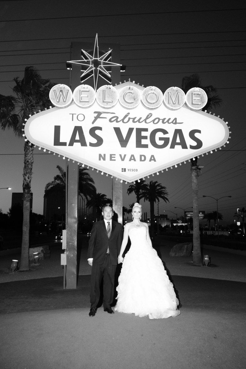 Las_vegas_wedding_trash_the_dress_10_year_anniversary_nicole_caldwell_photographer51