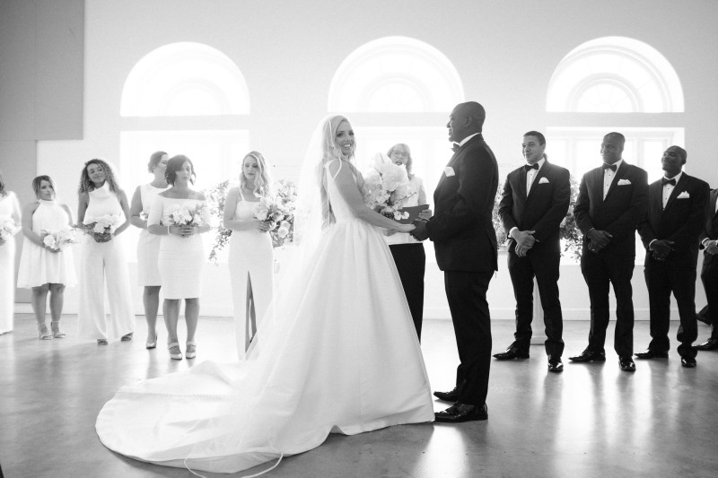 weddings riverside art museum photography by nicole caldwell 22
