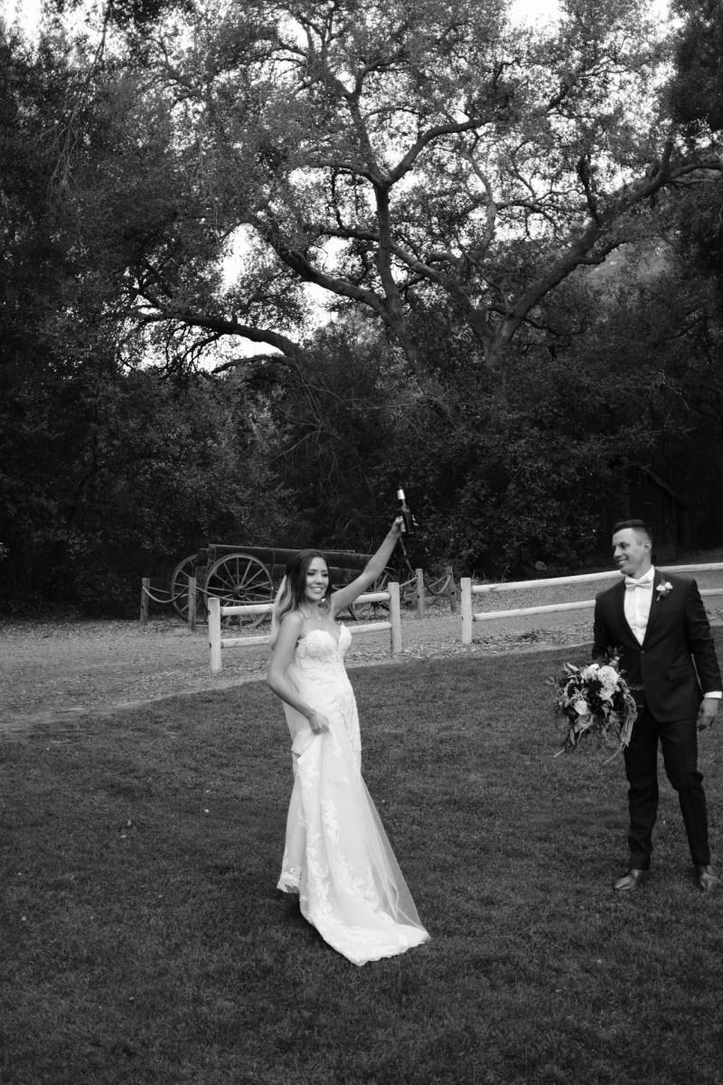 temecula creek inn weddings romatic rustic photojournailism nicole caldwell 55