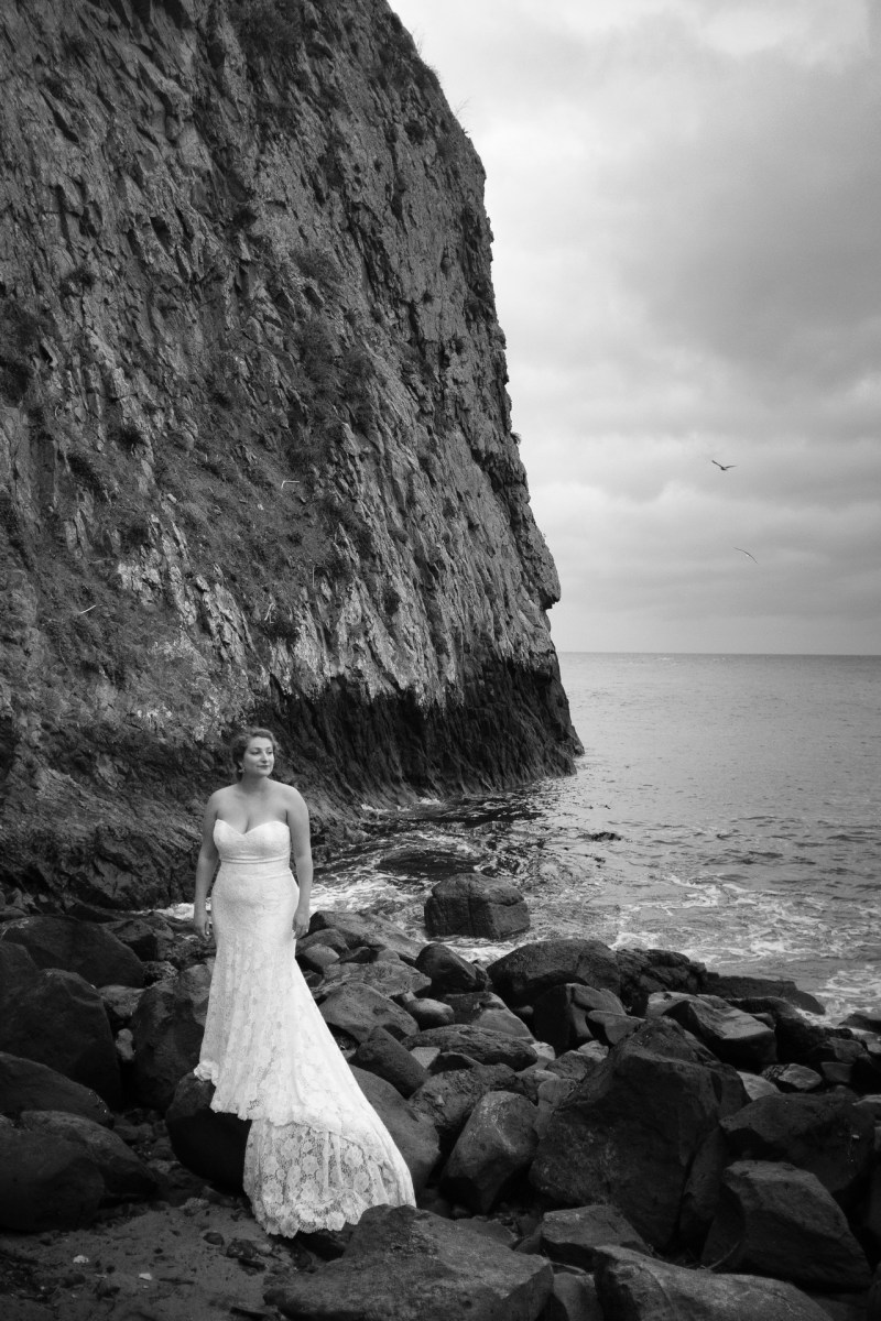 laguna beach wedding photographer nicole caldwell trssh the dress _01
