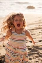 laguna beach family photographer nicole caldwell 04 cyrysal cove candid journalistic