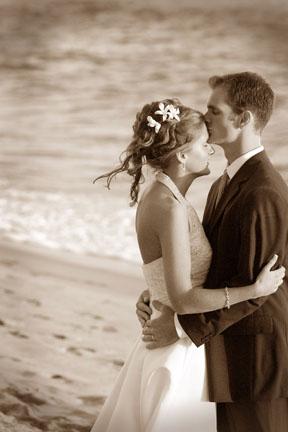 wedding_photography_nicole_caldwell_surf_and_sand.jpg