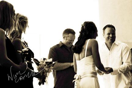 nicole_caldwell_photography_surf_and_sand_wedding_11.jpg