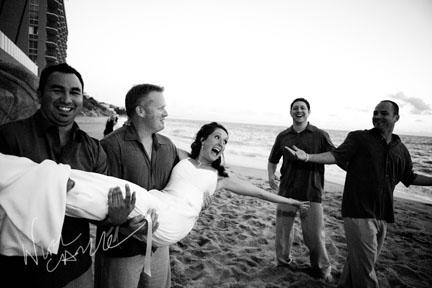 nicole_caldwell_photography_surf_and_sand_wedding_12.jpg