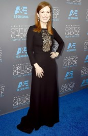 GODBLESS Julianne Moore's stylist. After the Golden Globes on Sunday, and now this dress—I'm predicting this to be her red carpet year.