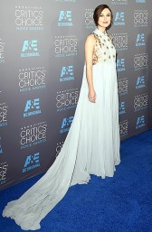 After her disappointing Golden Globes looks, I was thrilled to see her in this dress.