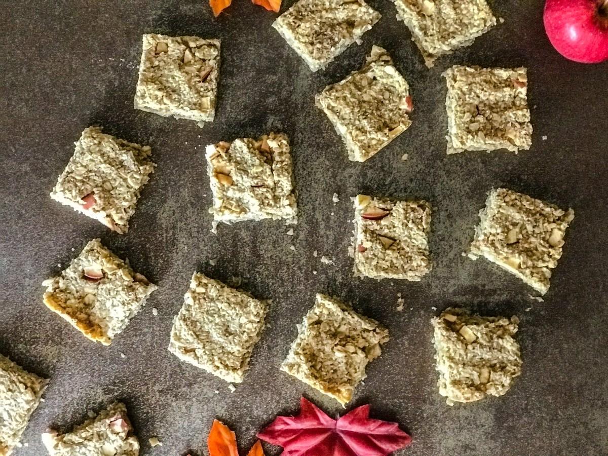 Baked Apple Oat-Granola Bars