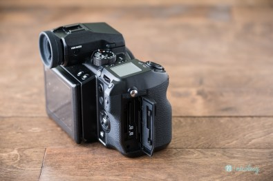 The Fujifilm GFX 50S and dual SD card slots