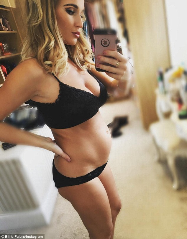 billie-faiers-shows-off-her-growing-baby-bump-on-inastagram