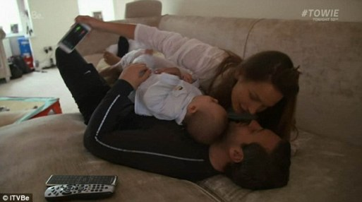 Sam Faiers Boyfriend Paul Gets Ridiculed Online Once Again As Her New Reality Show Airs
