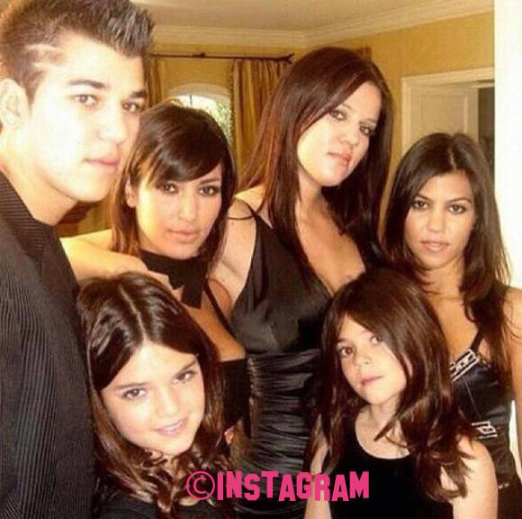 Kylie Jenner Shares Throwback Family Thanksgiving Pic And It's SUPER Cute!!