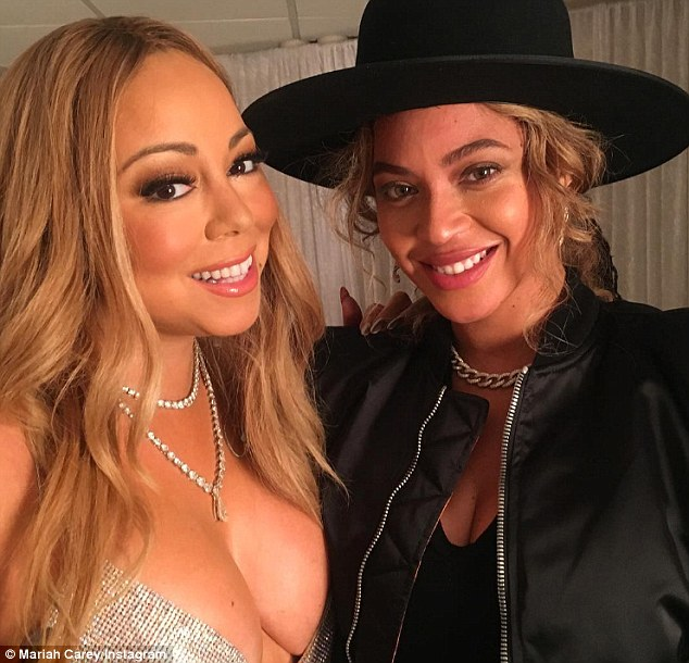 Beyonce And Mariah Carey Poses For Selfie After Mariah Visits At Holiday Concert