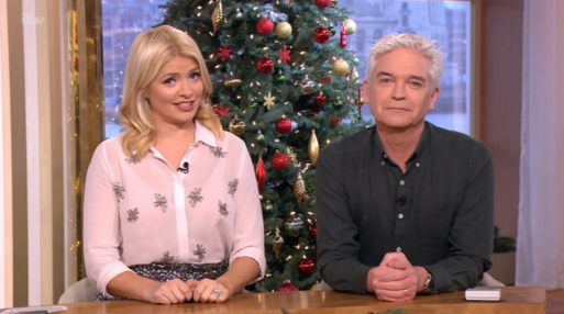 Holly Willoughby Admits She's Putting Her Christmas Tree Up In NOVEMBER!!
