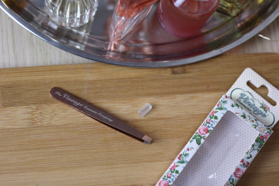 The Vintage Cosmetic Company Rose Gold Tweezers