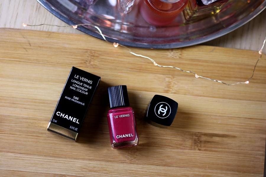 Chanel Le Vernis Longwear Nail Colour in 586 Rose Prodigious
