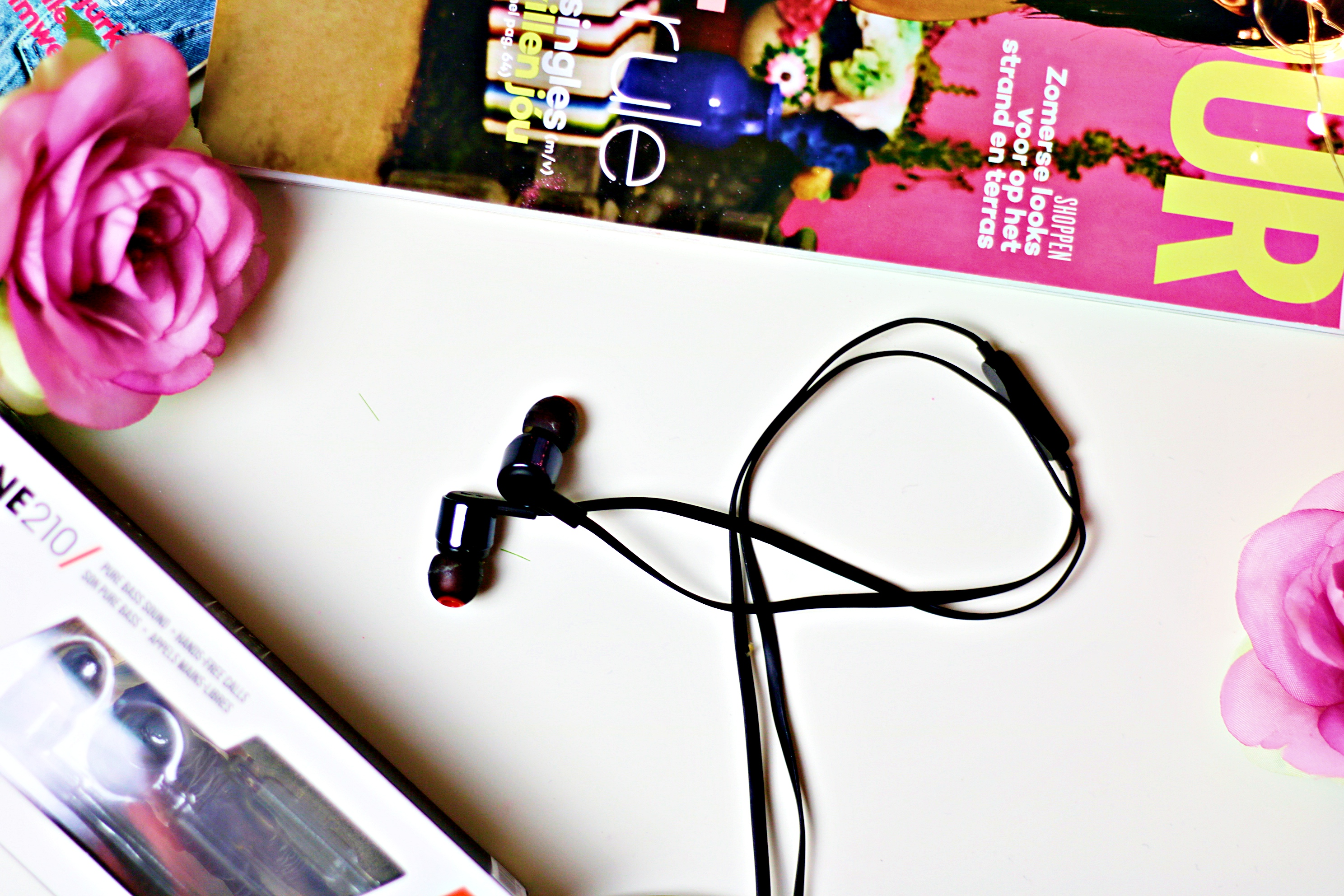 A New Dimension To Sound: JBL T210 In-Ear Earphones
