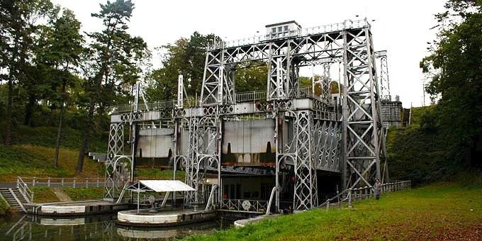 Schiffshebewerk des Canal du Centre im Belgien Urlaub