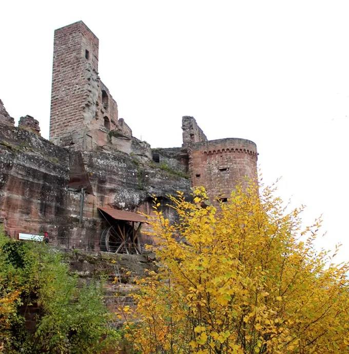 Sehenswuerdigkeiten-suedwestpfalz-dahner-felsenland-rheinland-pfalz-reisetipps-deutschland-altdahn