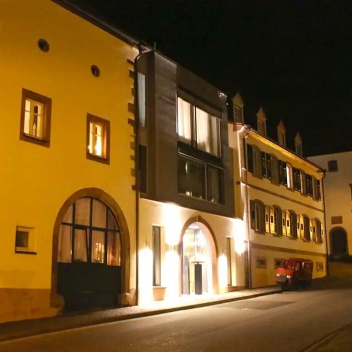 loesch-fuer-freunde-hornbach-suedwestpfalz-rheinland-pfalz-hoteltipp-deutschland-abend-eingang