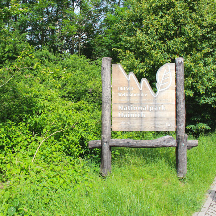 sehenswuerdigkeiten-muehlhausen-Unstrut-Hainich-thueringen-reisetipps-deutschland-unesco-welterbe-nationalpark-hainich-schild
