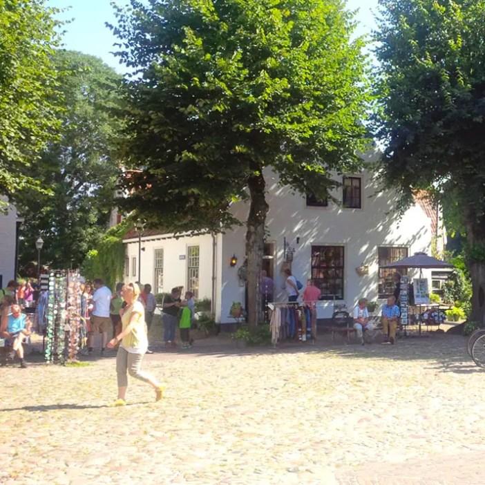 sehenswuerdigkeiten-groningen-reisetipps-niederlande-holland-bourtange-marktplatz