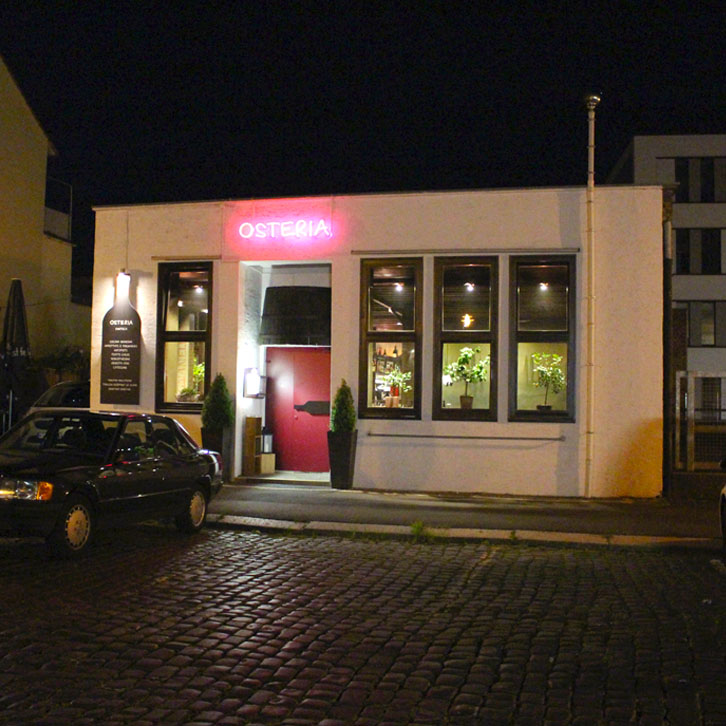 "restaurants-in-kassel-osteria-elis-levorato-enoteca-evening ""width ="" 726 ""height ="" 726 ""srcset ="" https://www.nicolos-reiseblog.de/wp-content/uploads/2017/01 /restaurants-in-kassel-osteria-elis-levorato-enoteca-abend.jpg 726w, https://www.nicolos-reiseblog.de/wp-content/uploads/2017/01/restaurants-in-kassel-osteria- elis-levorato-enoteca-evening-150x150.jpg 150w, https://www.nicolos-reiseblog.de/wp-content/uploads/2017/01/restaurants-in-kassel-osteria-elis-levorato-enoteca-abend -300x300.jpg 300w, https://www.nicolos-reiseblog.de/wp-content/uploads/2017/01/restaurants-in-kassel-osteria-elis-levorato-enoteca-abend-50x50.jpg 50w ""maten = ""(max. breedte: 726px) 100 vw, 726px"" /></p data-recalc-dims="