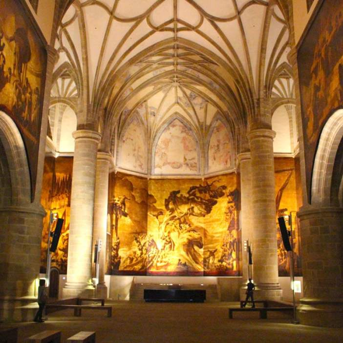 sehenswuerdigkeiten-san-sebastian-baskenland-reisetipps-spanien-altstadt-san-telmo-kloster-innenraum