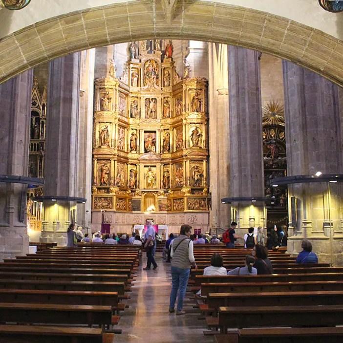 sehenswuerdigkeiten-san-sebastian-reisetipps-baskenland-reisetipps-spanien-iglesia-San-Vicente-innen