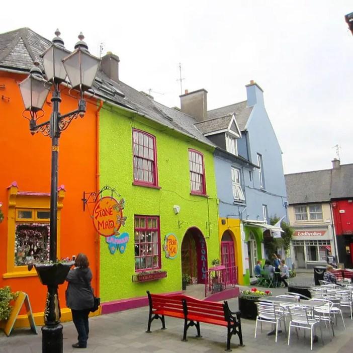 Rundreise-irland-reisetipps-irland-kinsale-bunte-haeuser