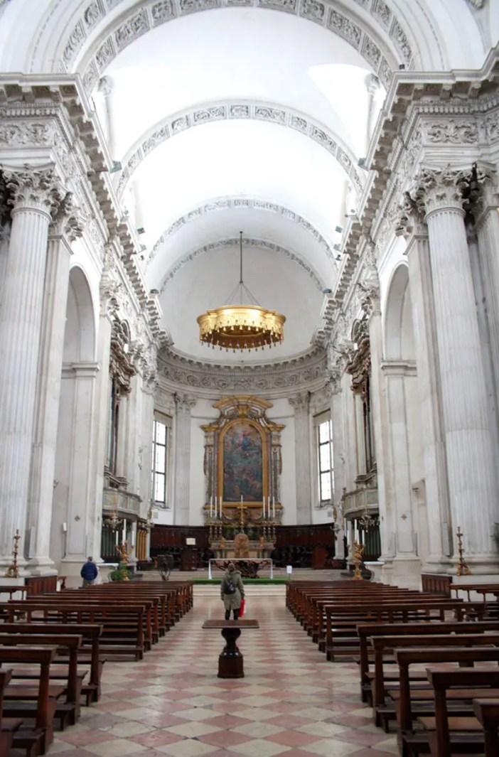 reisetipps-lombardei-reisetipps-italien-rundreise-lombardei-sehenswuerdigkeiten-brescia-Cattedrale-di-Santa-Maria-Assunta-innen