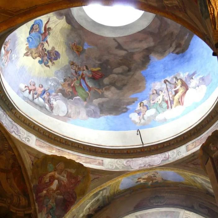 reisetipps-lombardei-reisetipps-italien-rundreise-lombardei-sehenswuerdigkeiten-brescia-Concattedrale-Invernale-Santa-Maria-Assunta-kuppel-malerei