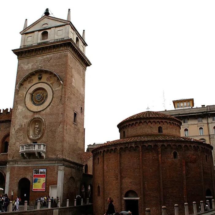 reisetipps-lombardei-reisetipps-italien-rundreise-lombardei-sehenswuerdigkeiten-mantua-Torre-Dell-Orologio-Rotonda-di-San-Lorenzo