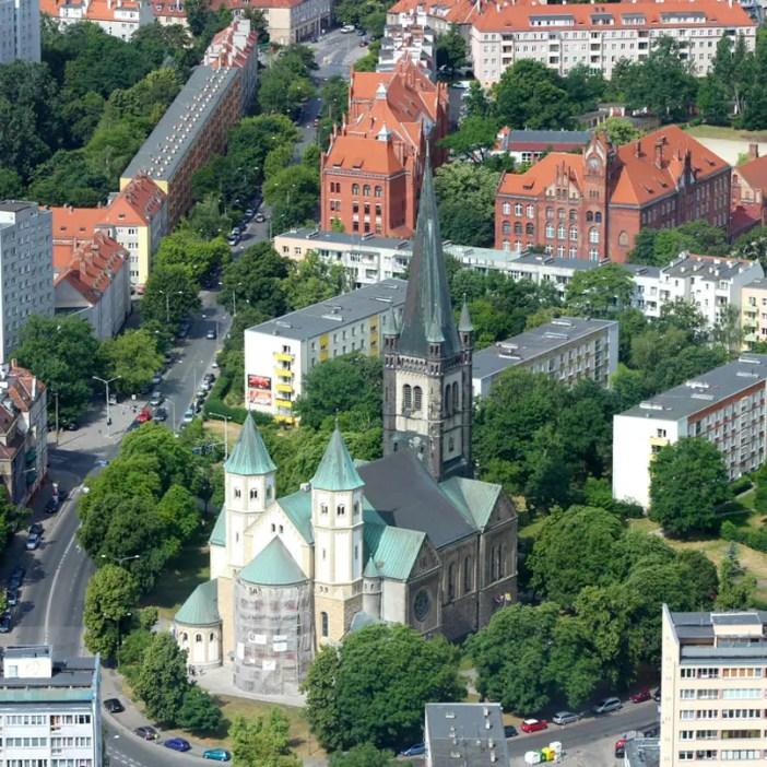 sehenswuerdigkeiten-breslau-niederschlesien-reisetipps-polen-sky-tower-kirche