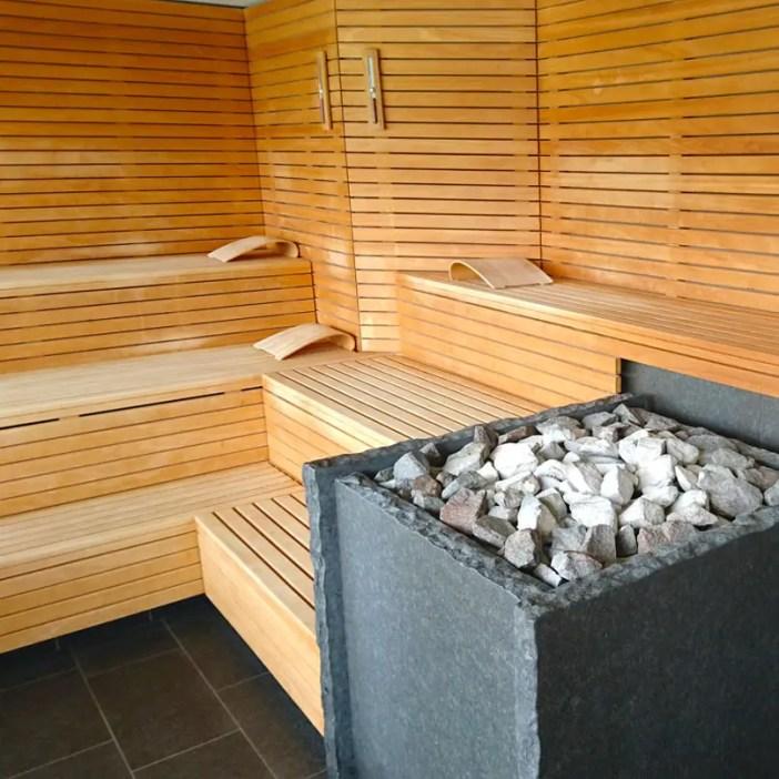 haubers-alpenresort-oberstaufen-allgaeu-bayern-hoteltipp-deutschland-haus-am-see-sauna