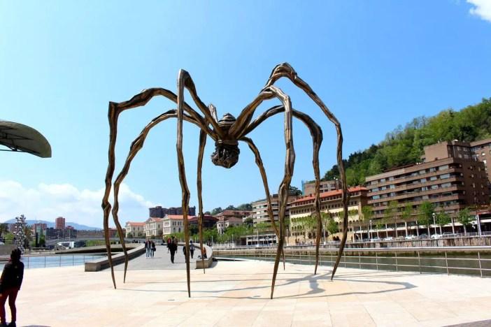 sehenswuerdigkeiten-spanien-nicolos-reiseblog-guggenheim-museum-bilbao-maman