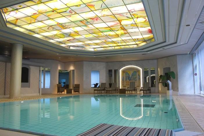 maritim-hotel-ulm-hoteltipp-deutschland-baden-wuerttemberg-schwimmbereich