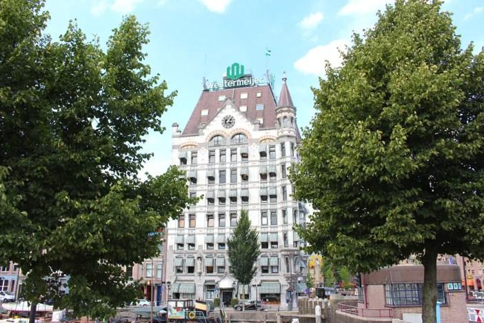 Sehenswuerdigkeiten-rotterdam-suedholland-reisetipps-holland-witte-huis-baeume