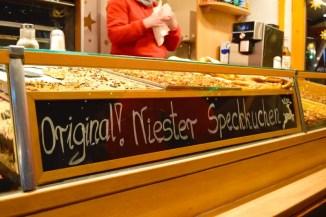 kasseler-maerchenweihnachtsmarkt-reisetipps-hessen-reisetipps-deutschland-speckkuchen