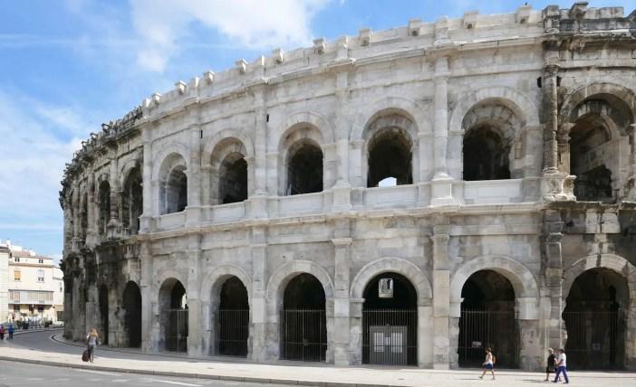reiseziele-2018-Languedoc-Roussillon-nimes-amphietheater