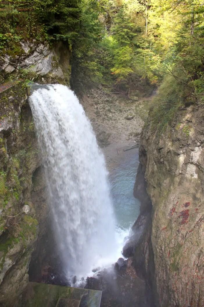 sehenswuerdigkeiten-dornbirn-reisetipps-vorarlberg-reisetipps-oesterreich-rappenlochschlucht-stausee-staufensee-wasserfall