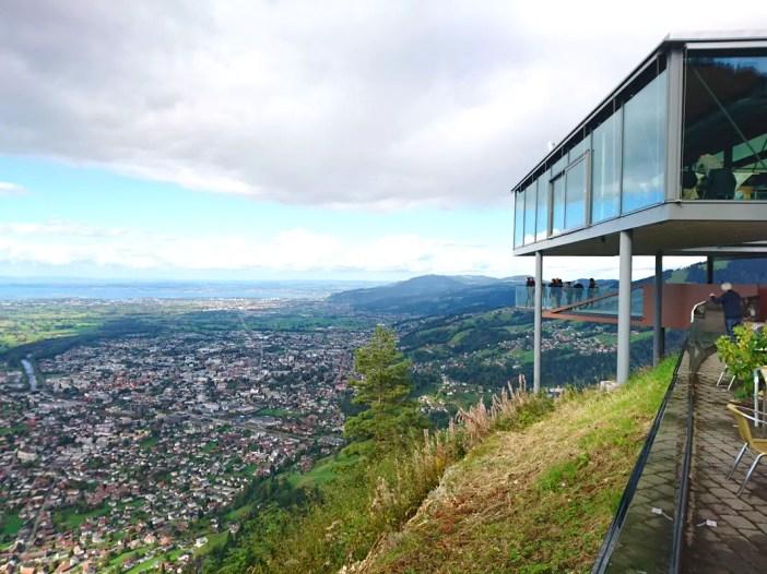 sehenswuerdigkeiten-dornbirn-reisetipps-vorarlberg-reisetipps-oesterreich-karren-restaurant-blick-region