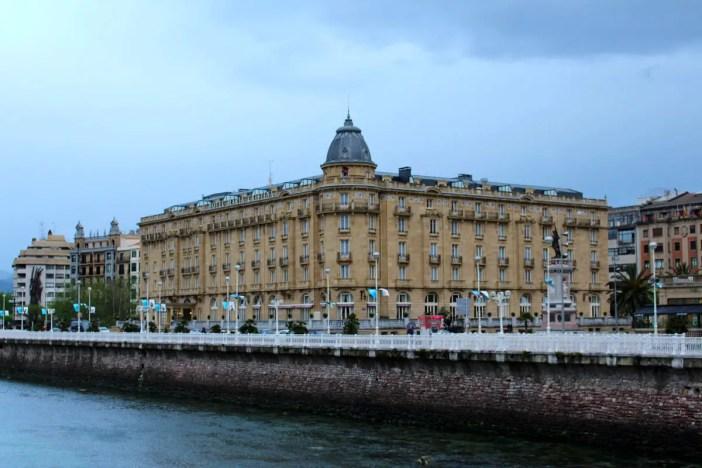 sehenswuerdigkeiten-san-sebastian-reisetipps-baskenland-reisetipps-spanien-belle-epoque-Hotel-Christina-Maria